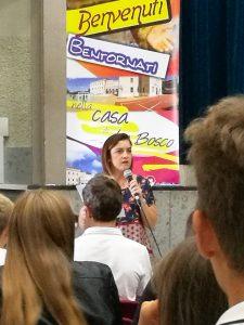 La Preside dei Licei di Villa Sora, la professoressa Laura Ferrante, accoglie gli studenti dei quinti anni